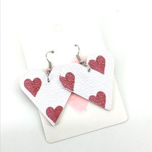 NEW Queen of hearts shaped Valentine's earrings